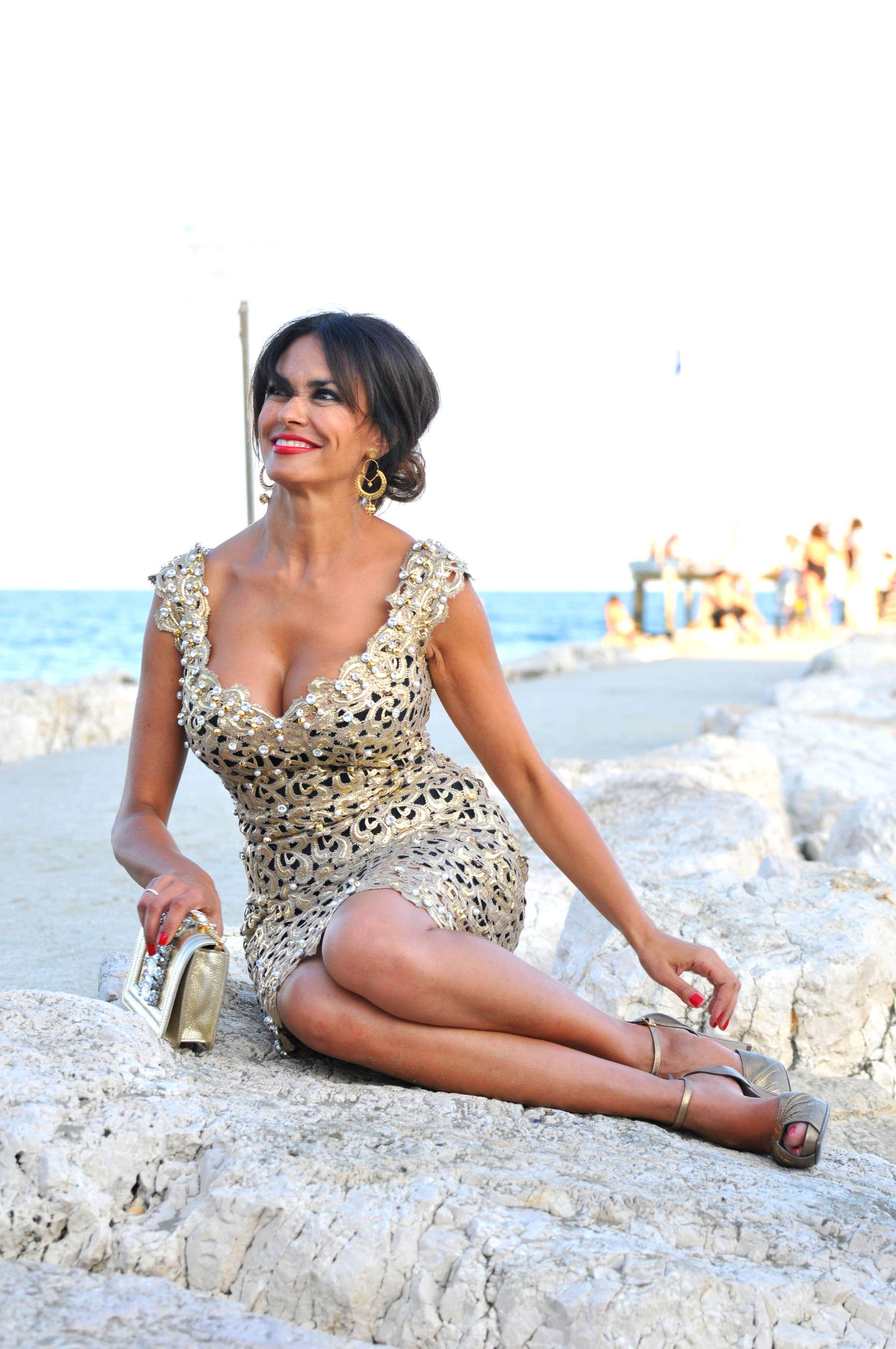 Maria Grazia Cucinotta Nude Photos 15