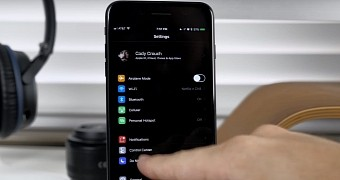", Apple's iPhone Gets a ""Dark Mode"" in iOS 11 – Video"