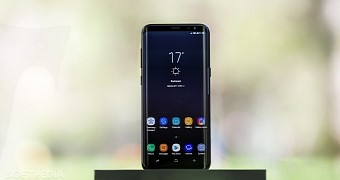 , Samsung Galaxy S9 Will Either Be an iPhone X Copycat or Stick with Back Sensor