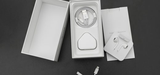 , New iPhones Will No Longer Come with a Headphone Adapter