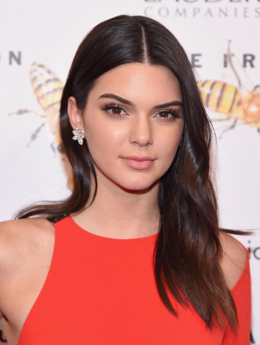 Kendall-Jenner-Closeup-Face • iOS Mode