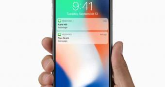 , iPhone Users Now Complaining They Accidentally Turn on the Flashlight