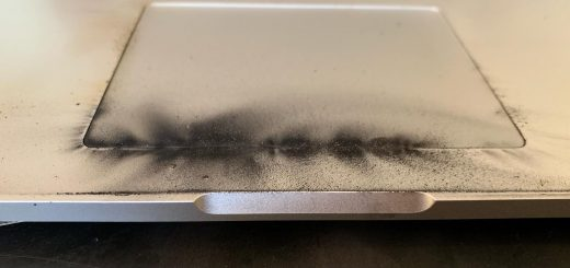 , This Is What a MacBook That Exploded Due to a Bad Battery Looks Like