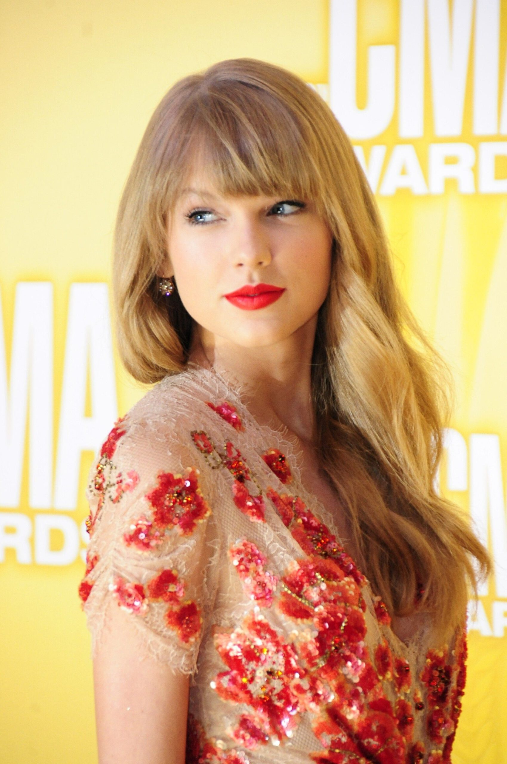 Android phone taylor swift wallpaper scaled