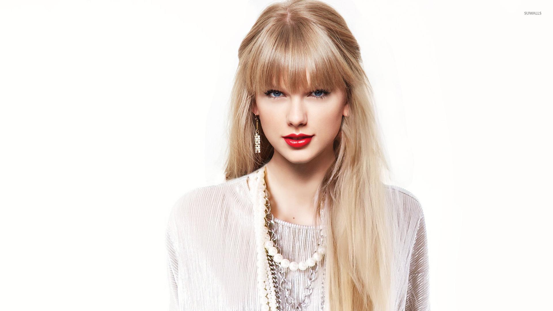 Taylor swift bangs haircut