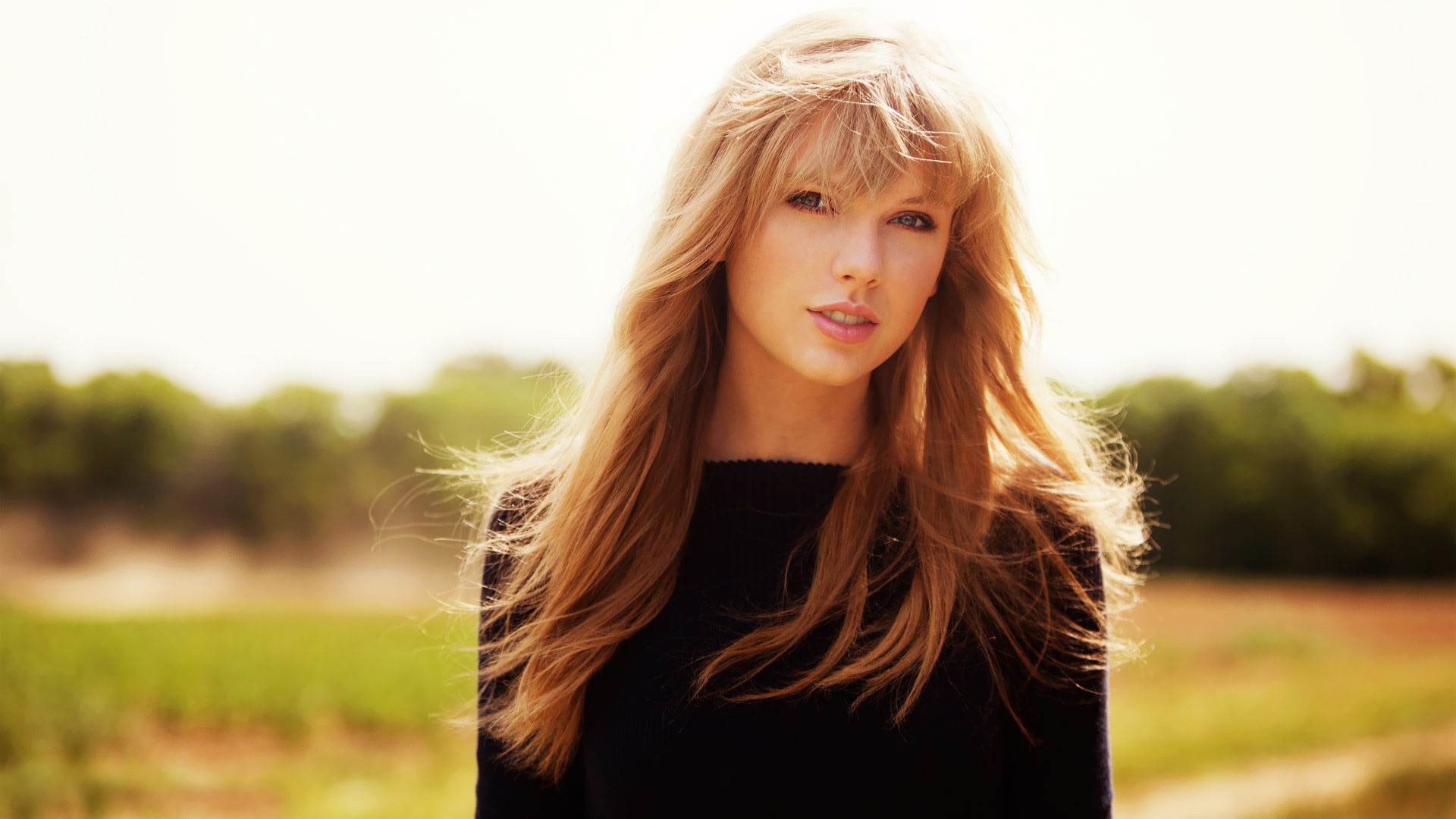 Taylor swift black sweater