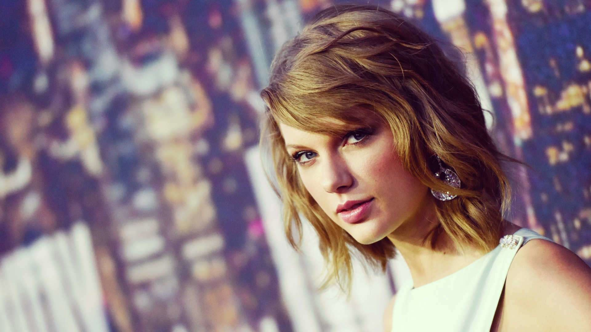 Taylor swift expensive earings