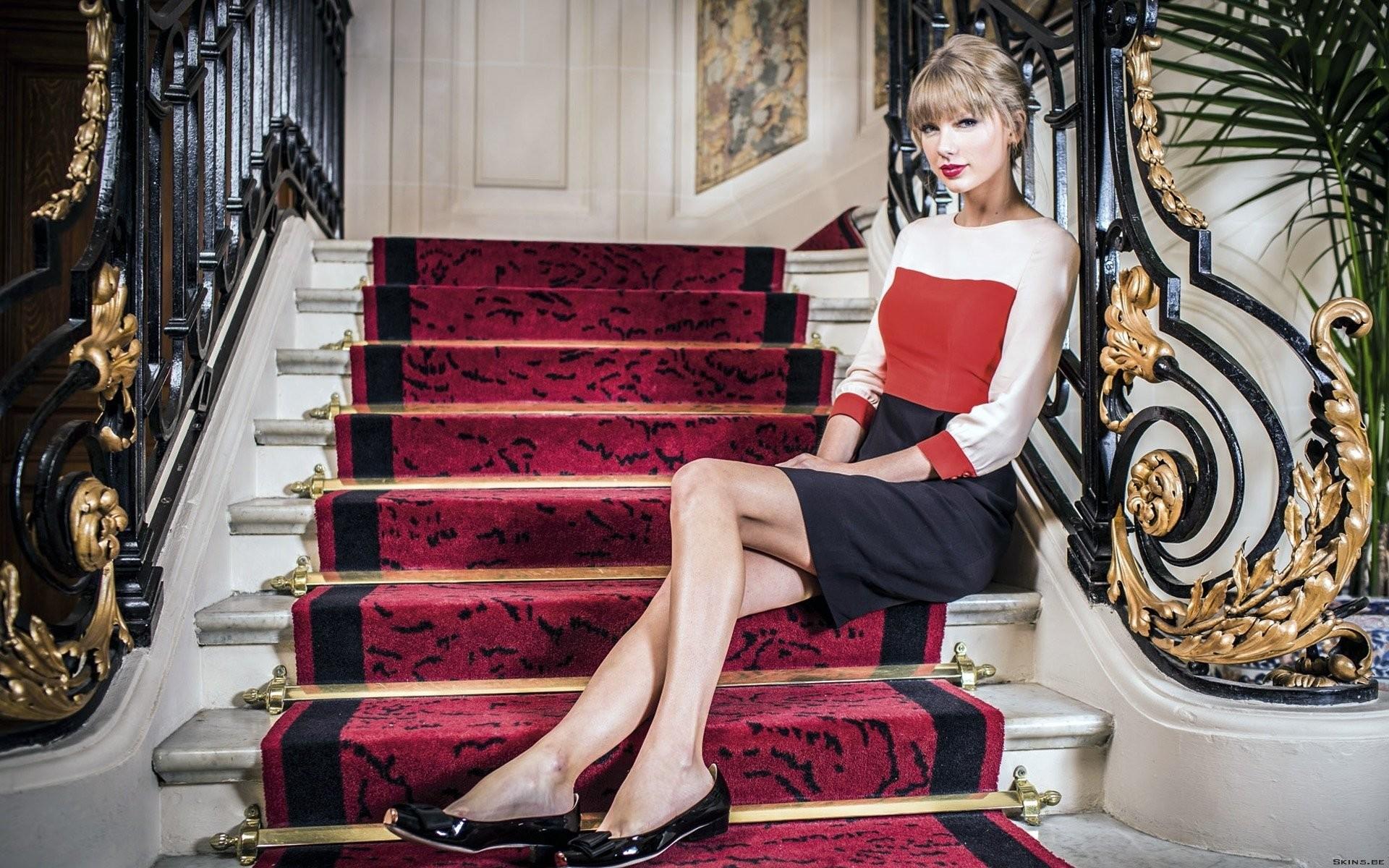 Taylor swift shoes black