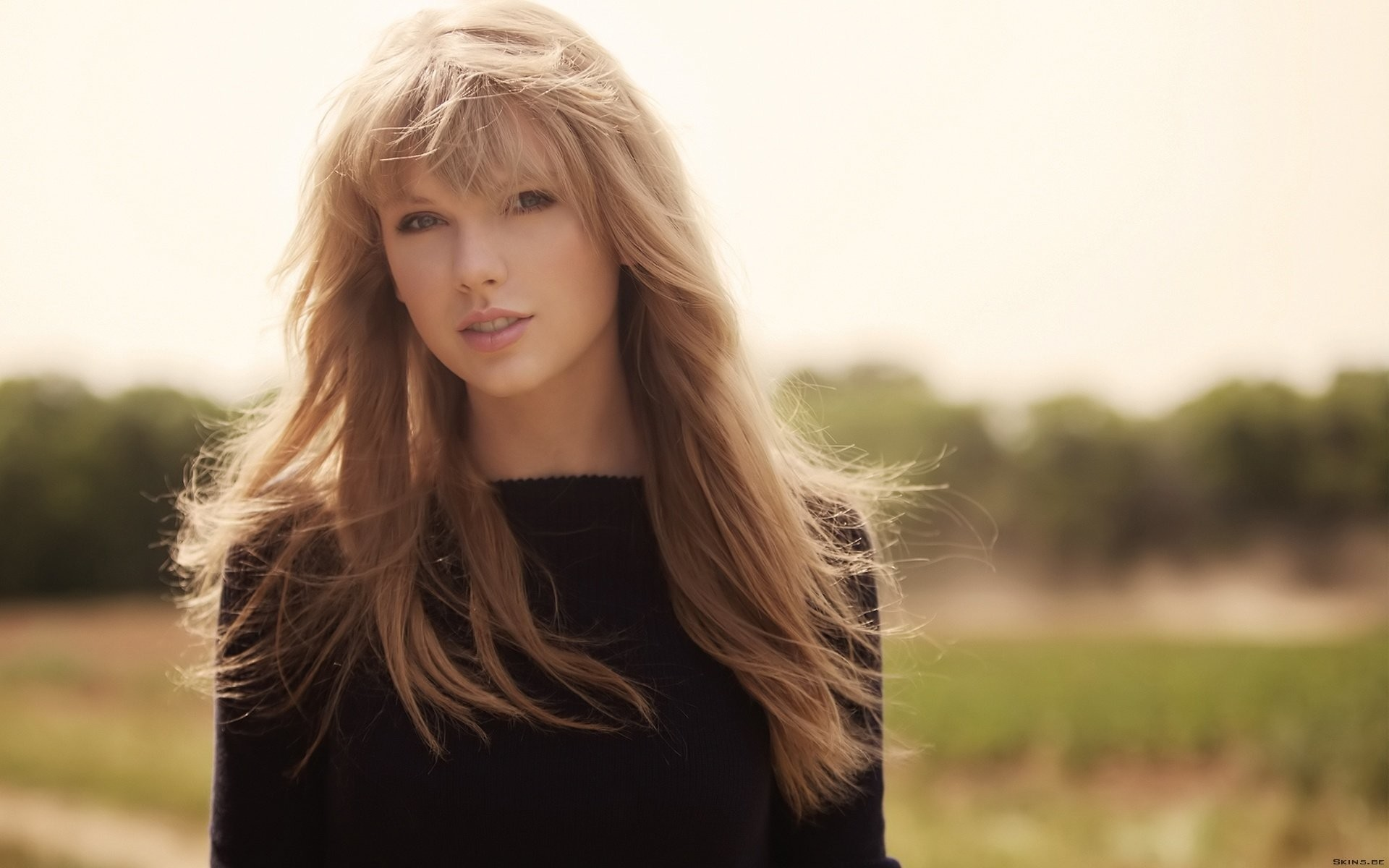 Younger taylor swift face