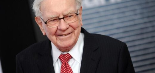 , Billionaire Says He Doesn't Know How to Answer a Call on His iPhone