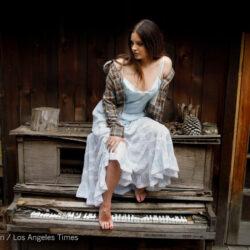 Lana del rey feet on piano photo