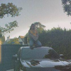 Lana del rey on her chevrolet truck