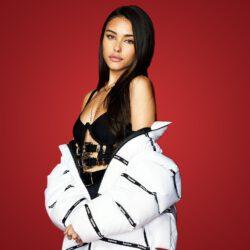 Modeling jacket scaled