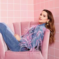 Modeling pink chair